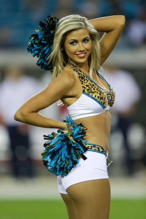 nfl-cheerleaders-heat-winter-weather-week-14